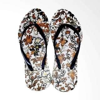 The Alas Kaki Sandal Jepit Wanita Cantik Motif Batik Hitam Size 36