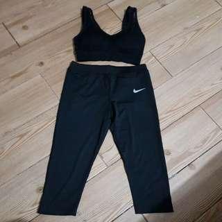 sports bra 32-36ab & 3/4 leggings 27-30 last pc