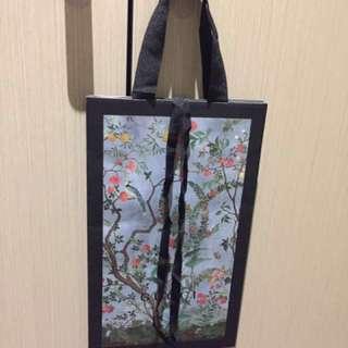 Gucci shopping paper bag - medium