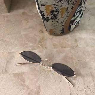 Vintage sunglass (trend)