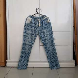 Korean boyfriend jeans tribal lace