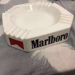 經典萬寶路煙灰缸