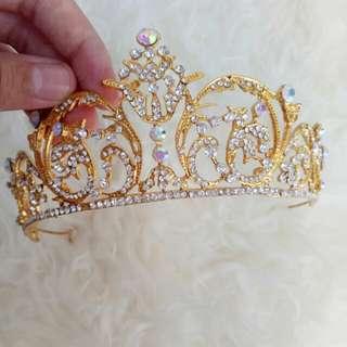 Crown besar