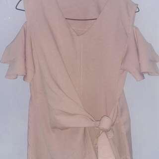 Cut-out shoulder pink Blouse
