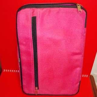 勢夠發$49.80fixed price Light weight 2 wheels foldable nylon shopping bag pink color 100%new good condition! 輕便可摺合收藏2輪尼龍購物手拖車 全新未經使用新正靚仔方便外出使用!