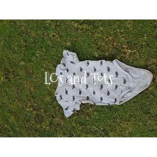 Onesie baby clothe gray