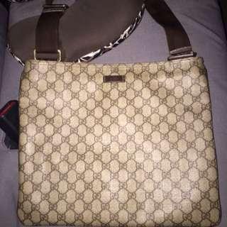 Authentic gucci messenger large bag