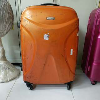 4 Wheels Luggage Size H 28inch W18 inch . Have Repair Before quite durable