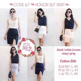 honor slit skirt (ready navy, size S)