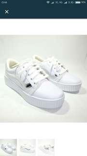 Sepatu cats putih turun harga !!!!!