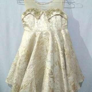 Gaun mewah anak perempuan