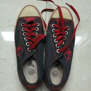 Sepatu sport DALLASS.merah