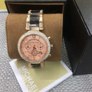 MK WATCH W/BOX