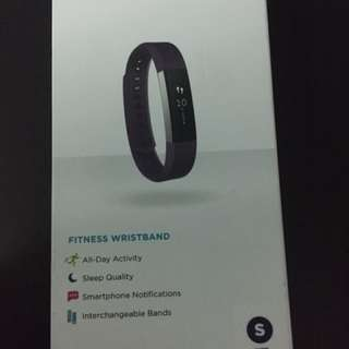 Fitbit Alta Fitness Tracker Plum S size (Brand New Sealed)