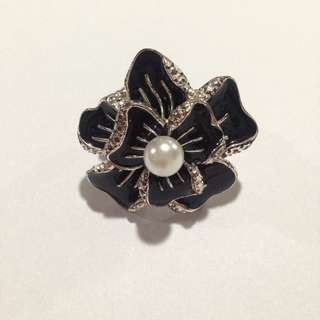 Flower Ring with Stretch Band