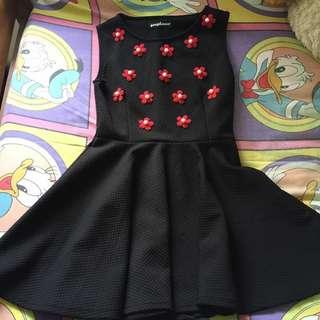Dress hitam bunga