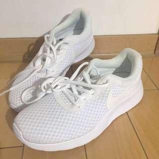 降價!日本購入 全新 Nike Tanjun 白色 23.5