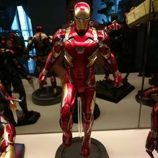 Iron Man mk 46 power pose