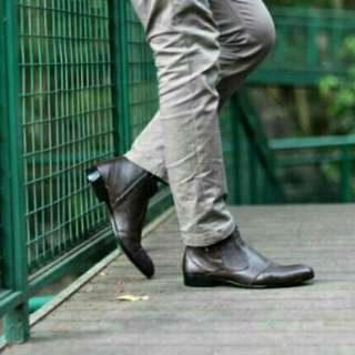 Sepatu pria cevany fox