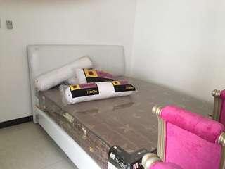 Tempat tidur 6 kaki