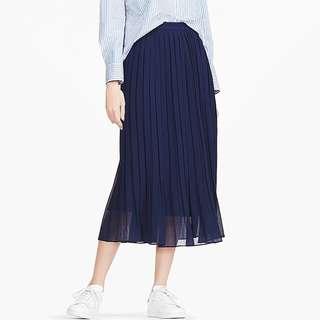 Uniqlo High Waist Pleated Midi Skirt in NAVY