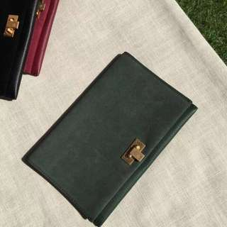 Tory Burch Carmer Clutch Bag Green Colour