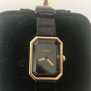 Authentic vintage CHANEL 18K gold Premiere