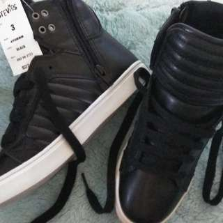 Stevies Black hi cut shoes size 3
