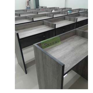 COMPUTER TABLES WITH LAMINATED DIVIDERS  LINEAR WORKSTATIONS