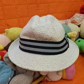 Furla hat 帽