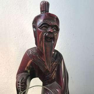 木雕漁翁 刻畫生動