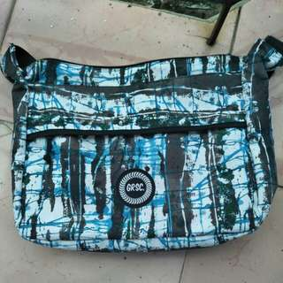 GRSC Color Splash Bluewild Slingbag