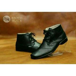 Sepatu pria cevany broth