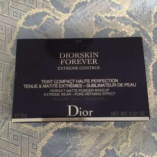 Diorskin Forever Extreme Control Compact Powder Foundation