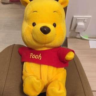 絕版Winnie the pooh 會郁公仔 (要換電)