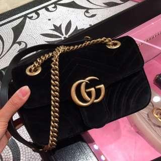 Gucci GG Marmont misura 絨皮斜咩袋 22cm 專門店代購