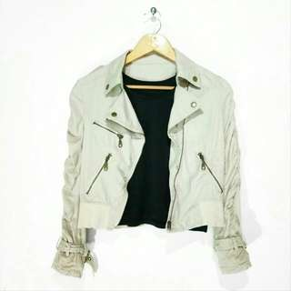 Creamy jacket