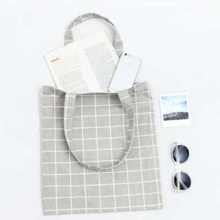 Canvas Zipped Tote Bag