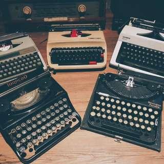 Antique typewriter 打字機