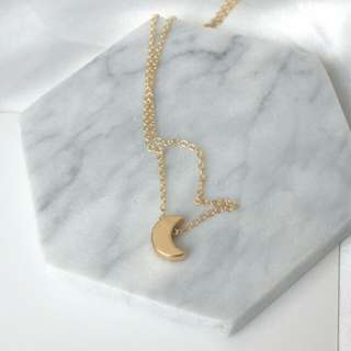 Cute Golden Moon necklaces