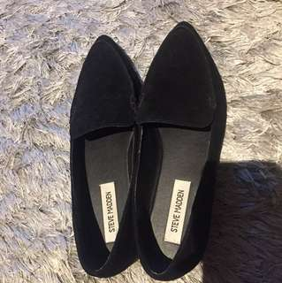 Steve Madden Black Flat Shoes