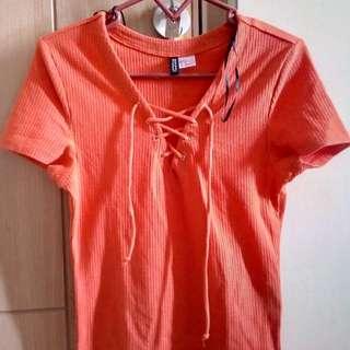 Atasan H&M divided orange