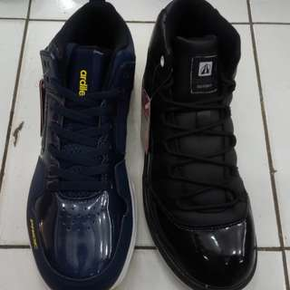 Sepatu basket ardilas