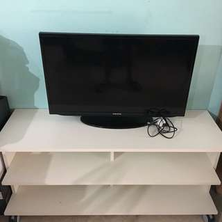 "32"" Samsung LED TV + Ikea TV console (Price Reduced)"