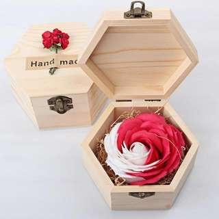 華麗香皂玫瑰*雪花紅 配木製禮盒