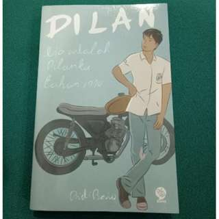 "Preloved Novel "" Dilan 1990 """