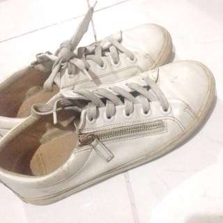 Stradivarius - white sneakers