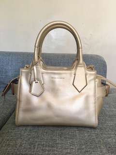 💯 AUTHENTIC CHARLES & KEITH BAG