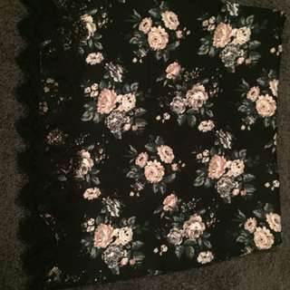 Forever 21 skirt size 8 with lace detailing