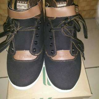 Sepatu Cowok Ando